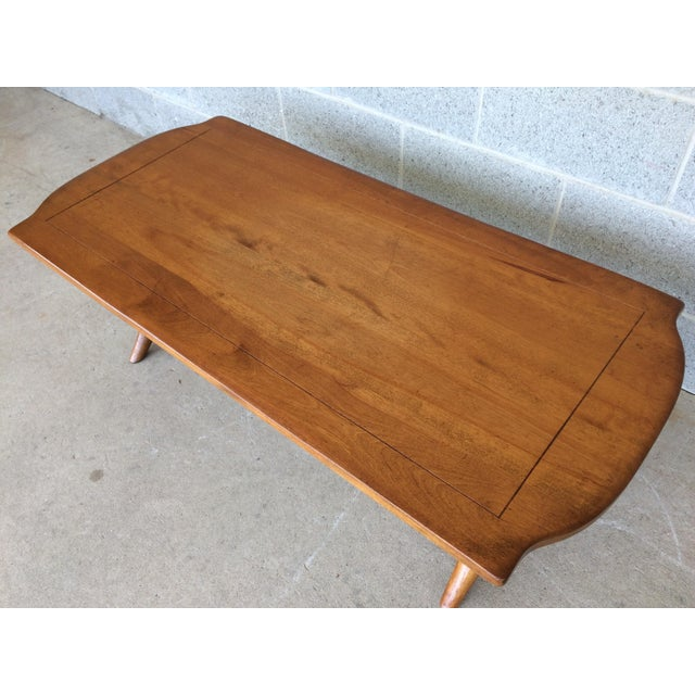French Provincial Cushman Colonial Maple Coffee Table For Sale - Image 3 of 11