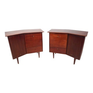 Mid-Century Bedside Tables by Baker Furniture - a Pair For Sale