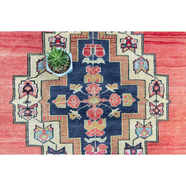 """Textile House of Séance - 1940s Vintage Anatolian Taspinar Oushak Wool Pile Hand-Knotted Rug - 4'10"""" X 8' For Sale - Image 7 of 11"""