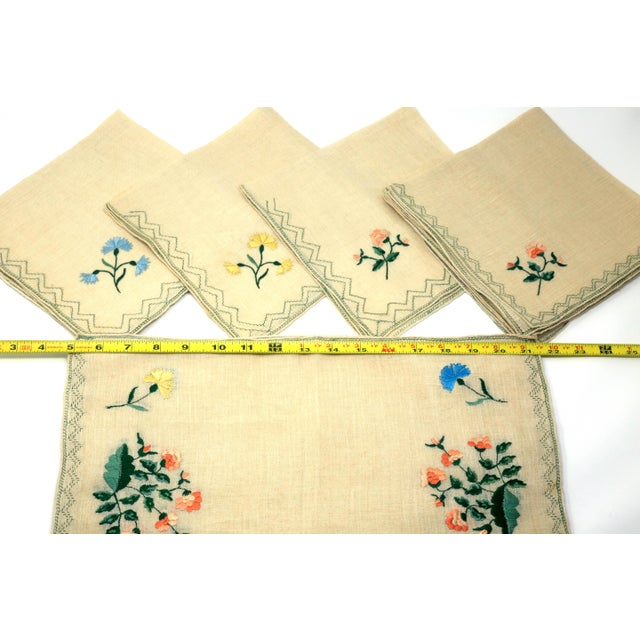 Vintage Italian Embroidered Linen Napkins and Placemats - Set of 16 For Sale - Image 11 of 12