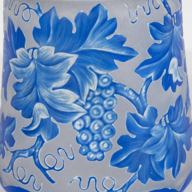 Blue French Art Deco Decanter in Ancient Blue with Grape Vine and Leaf Motif For Sale - Image 8 of 10