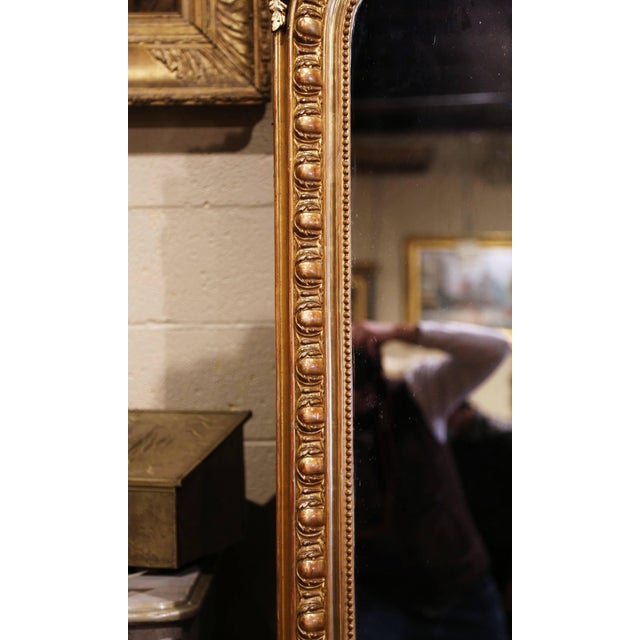 19th Century French Louis XV Carved Giltwood Mirror With Bird Decor For Sale In Dallas - Image 6 of 10