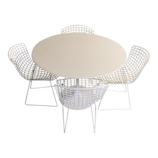 Saarinen Table and Four Bertoia Side Chairs For Sale