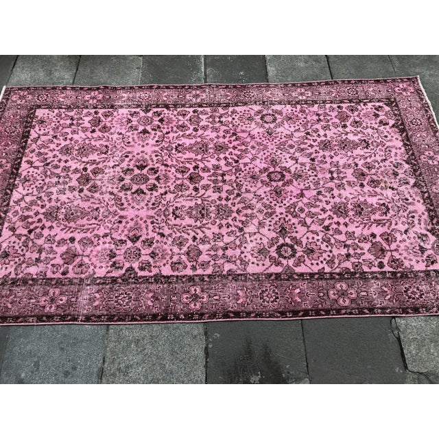 1960s Vintage Turkish Hand-Knotted Rug - 4′8″ × 8′3″ For Sale - Image 6 of 11
