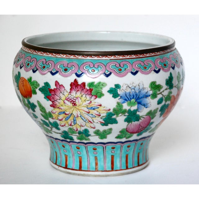 Asian 19th Century Chinese Famille Rose Cachepot For Sale - Image 3 of 10