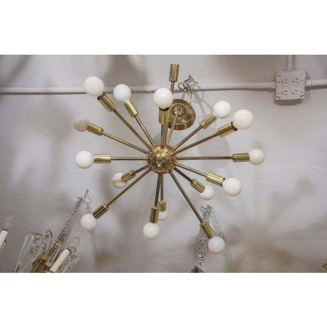 Mid-Century Atomic Sputnik Chandelier in Brass For Sale In New York - Image 6 of 7
