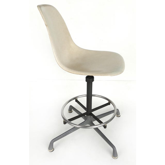 Industrial Charles Eames for Herman Miller Bar/Counter Stools in Molded Fiberglass C.1960s - a Pair For Sale - Image 3 of 13