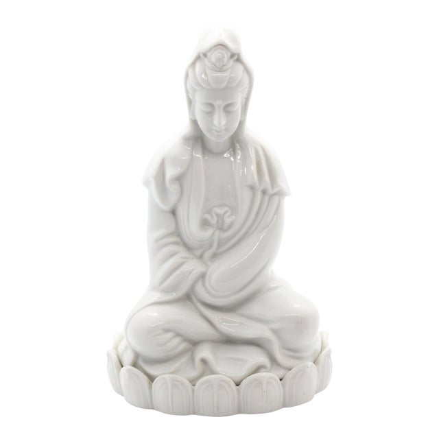 """1960's Chinoiserie """"Blanc De Chine"""" Quan Yin Sitting Figurine For Sale - Image 9 of 9"""