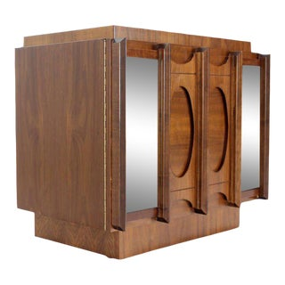 Mid-Century Modern Oiled Walnut Night Stand For Sale
