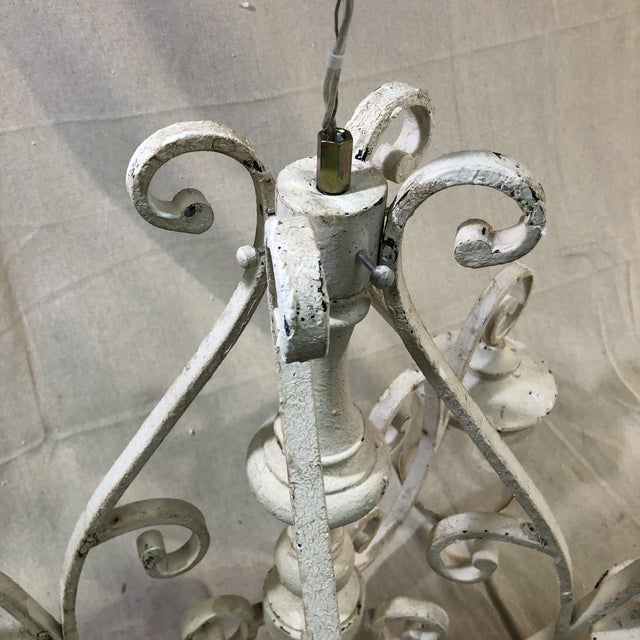 Quorum San Miguel 4-Light Persian White Chandelier - Showroom Sample This beautiful, vintage-inspired chandelier is...
