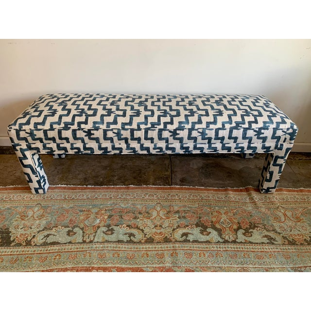 Vintage Parsons-style, fully reupholstered bench in graphic blue & cream linen print in designer fabric. Striking and...