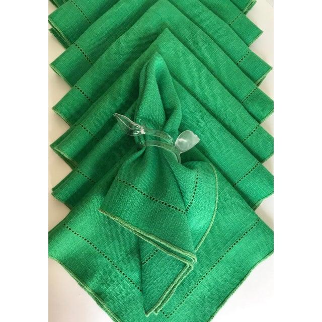 Set of 8 Vintage Linen Kelly Green Napkins For Sale - Image 4 of 5