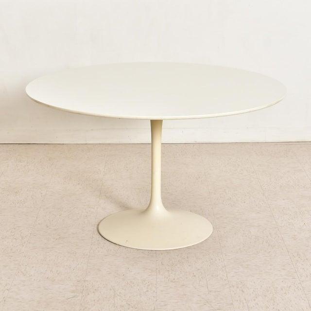 White Vintage Eero Saarinen Tulip Dining Set - 5 Pieces For Sale - Image 8 of 10