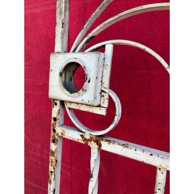 1940s Shabby Chic Rusty White Arched Wrought Iron Garden Fence For Sale - Image 4 of 11