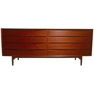 Large Eight-Drawer Dresser Designed by Arne Vodder for Sibast For Sale