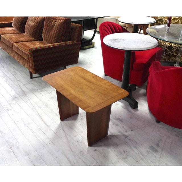 Widdicomb Banded Mid Century Modern Side Table Tapered Walnut Leg For Sale In New York - Image 6 of 7