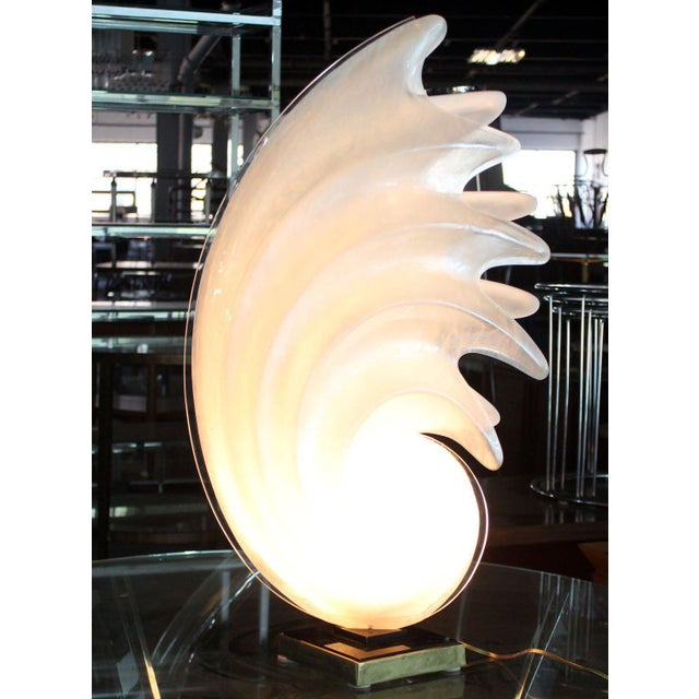 Glass White Molded Acrylic Mid-Century Modern Sculptural Table Lamp For Sale - Image 7 of 9