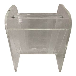 1970s Mid Century Modern Lucite V-Shaped Magazine Rack With Handle For Sale