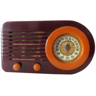 "Fada Model 1000 ""Bullet"" Coffee and Caramel Catalin Tube Radio For Sale"