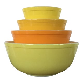 Vintage Pyrex Sunny Yellow Orange Mixing Bowls - Set of 4