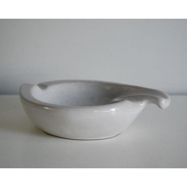 Contemporary Mid-Century Modern Gray Redware Pottery Ashtray For Sale - Image 3 of 6