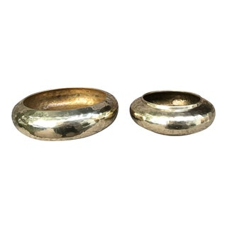 Vintage Hammered Brass Bowl Pot Planters - Set of 2 For Sale