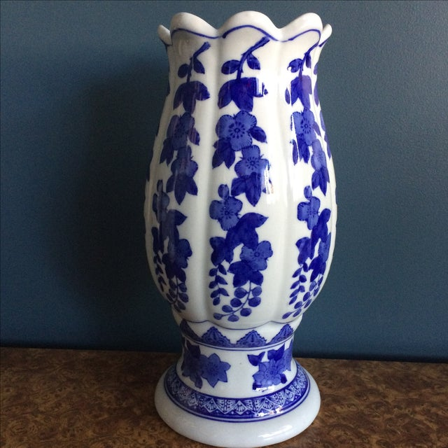 Beautiful scalloped top Chinese vase with floral motif.