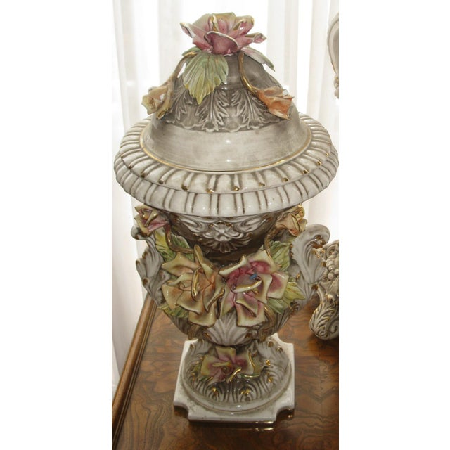 Rococo Capodimonte Jardiniere and Pedestal - A Pair For Sale - Image 3 of 9