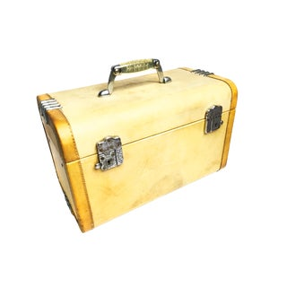 "Early 20th Century Vintage Art Deco ""Wheary"" Train Case For Sale"