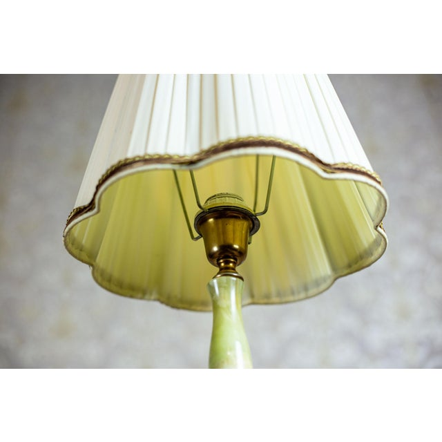 Cream 1950s Onyx Table Lamp For Sale - Image 8 of 10