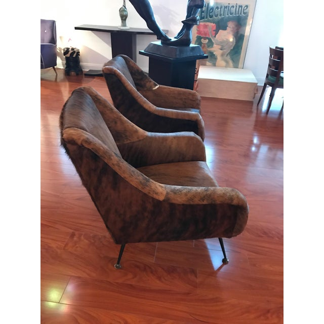1960s Italian Mid-Century Modern Club Chairs Covered in Cowhide - a Pair For Sale - Image 5 of 13