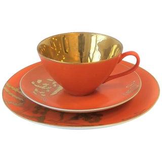 Designer Set of 8 Dorothy Thorpe Orange & Gold Matte Ceramic Lunch Coffee Tea Dessert For Sale