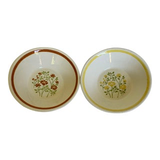 Mid-Century Modern Royal China Company Serving Bowls - Set of 2 For Sale
