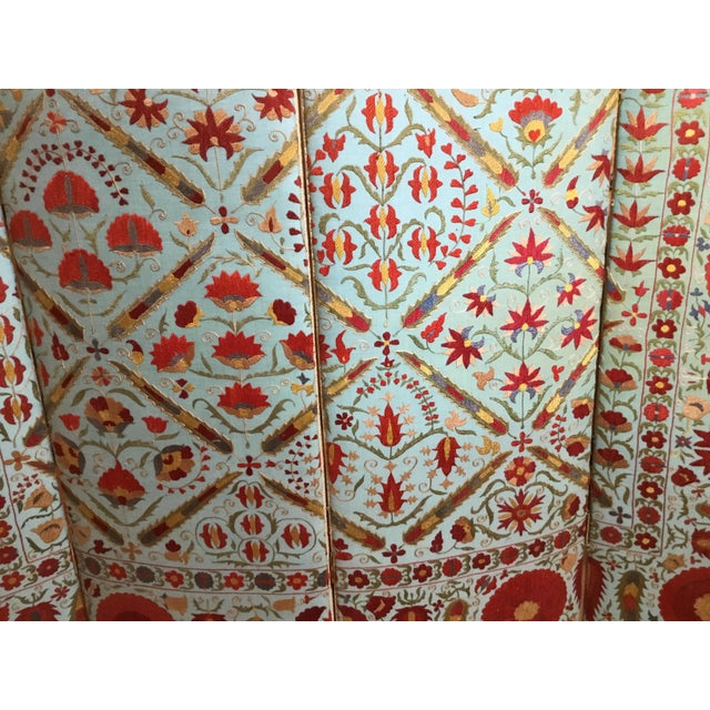 Vintage Hand Embroidery Suzani Screen For Sale In Miami - Image 6 of 13