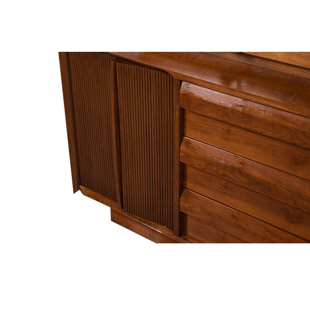 1960s Mid Century Lane First Edition Walnut Buffet Credenza Hutch For Sale - Image 5 of 13