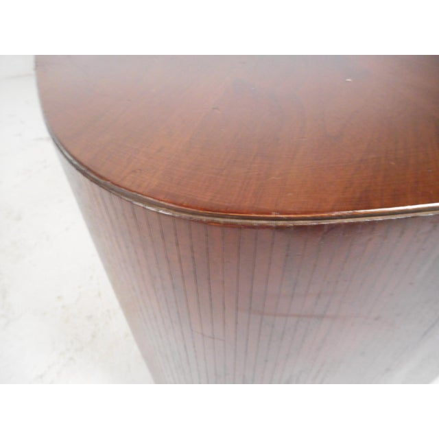 Mid-Century Modern Oval Coffee Table For Sale - Image 10 of 12