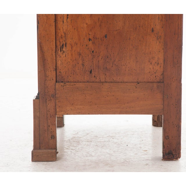 French 19th Century Walnut Vitrine - Image 9 of 10