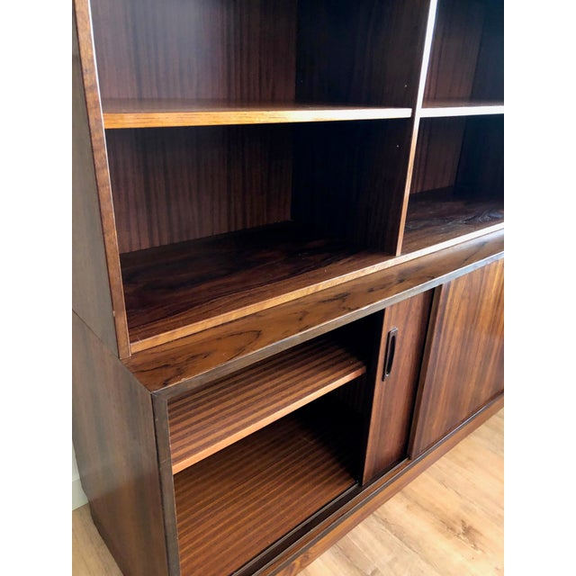 1970s Danish MCM Rosewood 2 Piece Display/Credenza With Drop Leaf Bar For Sale - Image 5 of 13