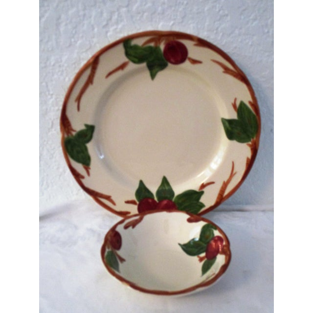 Cottage Franciscan Apple Dinner Plates & Coupe Bowls - Set of 12 For Sale - Image 3 of 9