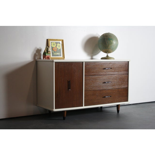 2-Tone Mid Century Modern Dresser For Sale - Image 4 of 8