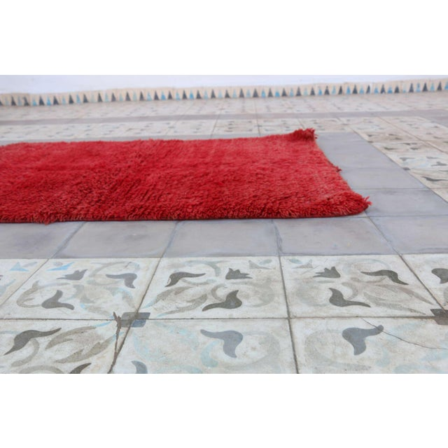 """Vintage Boujad Moroccan Rug - 2'9"""" x 4'1"""" For Sale - Image 4 of 4"""