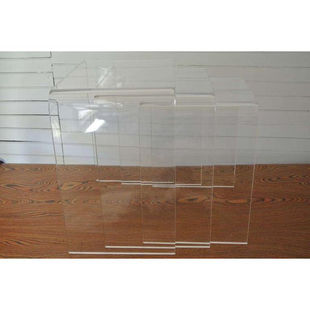 Acrylic Set of Three Acrylic Lucite Nesting Tables For Sale - Image 7 of 8