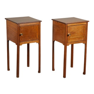 Pair of English George III Walnut Side Tables For Sale