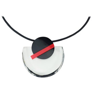 Pop Mod Geometric Lucite Necklace For Sale