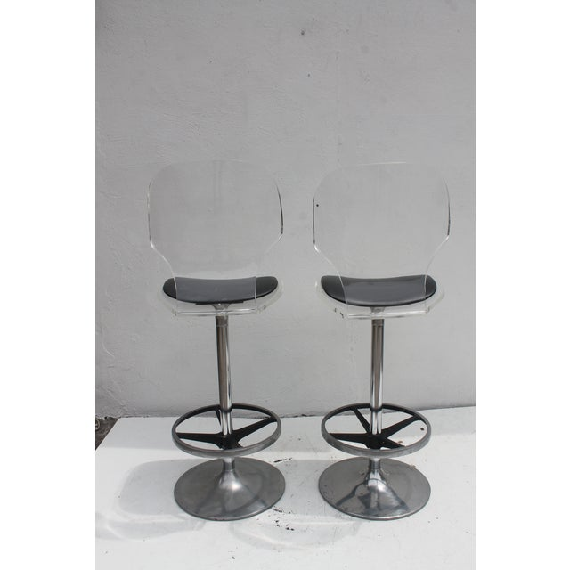 Vintage Lucite & Tulip Base Swivel Bar Stools - A Pair - Image 8 of 9