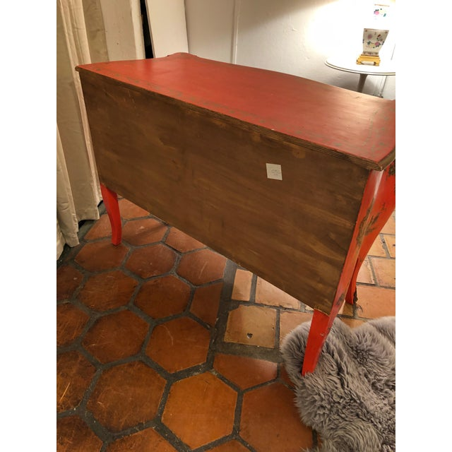 1940s Coral and Gilt Chinoiserie Bombe Style Chest of Drawers For Sale - Image 12 of 13