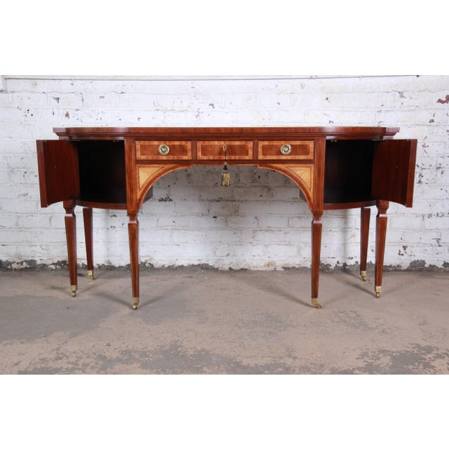 1980s Baker Furniture Stately Homes Sheraton Bow Front Inlaid Mahogany Sideboard For Sale - Image 5 of 13