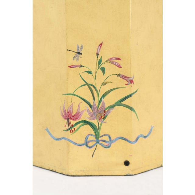 Metal English Export Hexagonal Tole Tea Caddy Lamp No.5 Handpainted in Yellow For Sale - Image 7 of 8
