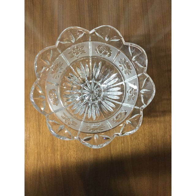 Late 20th Century Daisies, Roses & Dafodiles Lead Crystal Pedestal Bowl For Sale - Image 6 of 7