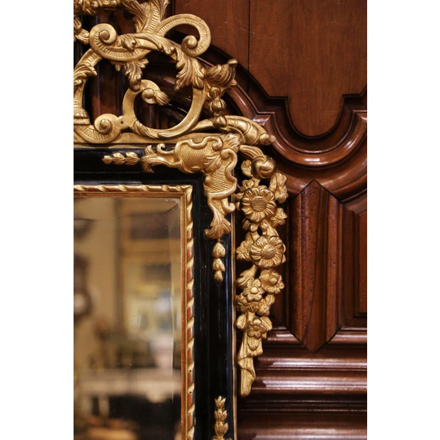 18th Century French Louis XV Carved Giltwood and Blackened Mirror From Provence For Sale In Dallas - Image 6 of 13